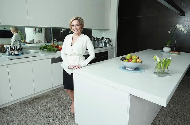 Fifi Box: kitchen spy